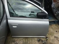 toyota yaris drivers door