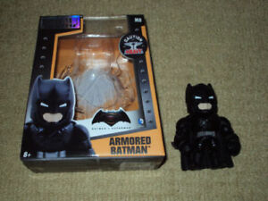 METALS DIECAST, ARMORED BATMAN FIGURE, VERSION M8 WITH BOX
