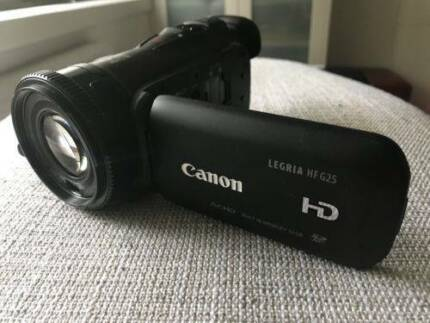 Canon Legria HF G25 HD Professional Camcorder