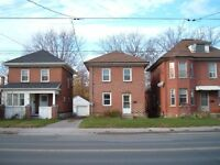 CLEAN 3 BED 2 STORY BRICK HOME SOUTH CENTRAL  $1200.00