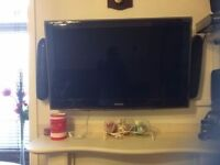 used Samsung LE40A656A1FXXU 40'' TV with Surround Sound & Dvd player