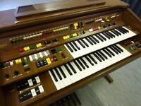 Lovely Yamaha/electone C-605 electric organ