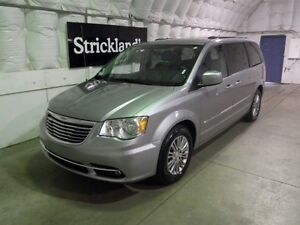 2013 CHRYSLER TOWN AND COUNT PLUS