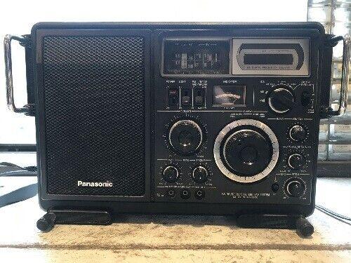 Panasonic RF-2800 Shortwave radio Sold As Is Read Description