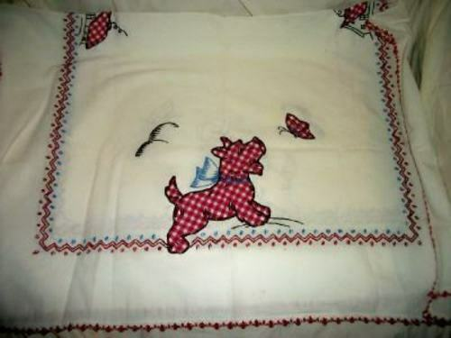 ANTIQUE SCOTTIE DOG BUTTERFLY TABLECLOTH APPLIQUE GINGHAM RED EMBROIDERY CROCHET