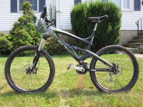 gt carbon mountain bike ebay. Black Bedroom Furniture Sets. Home Design Ideas