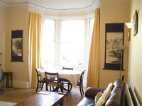 LARGE Marchmont Flat Festival Let, avail now. Sleeps 5, ground floor apartment, wifi, child cot