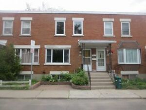 Delightful 3Bdm/2 Bth Townhome Overbrook, Pkg, Avail Immediately
