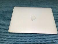 "Apple MacBook Air 13"" SSD 256 1.7ghz Intel Core i5 4GB Ram"