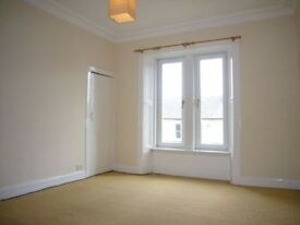 2 bed unfurnished traditional upper villa in Russell place, Kirkcaldy.