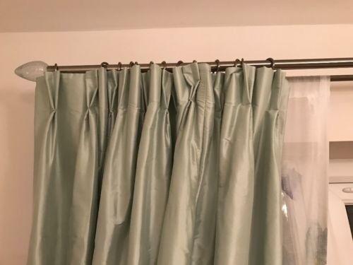 One piece pole - chrome double curtain pole 330cm with glass finials