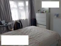 Double room in Colindale for females