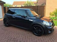 Mini Cooper S Turbo with JCW body kit fitted.(car has very slight engine rattle)see youtube link.