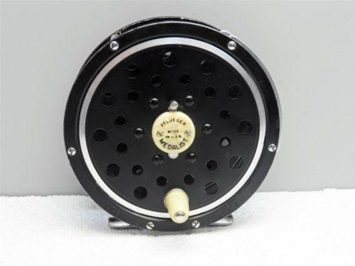 Pflueger medalist fly fishing reel ebay for Fly fishing reels ebay