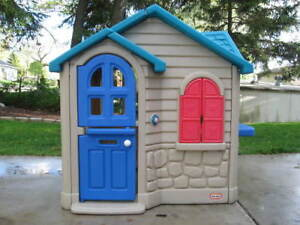 Looking to buy Little Tykes Play Houses & Picnic Tables
