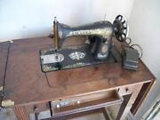1920 Singer Sewing Machine
