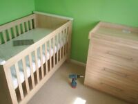 Flatpack Furniture Assembly&Disassembly &handyman hire(IKEA,HARVEY'S,ARGOS,ETC)Cheap! From £27.50 ph