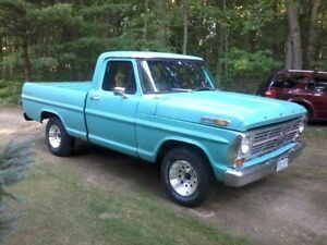 1969 F100 with Crown Victoria conversion