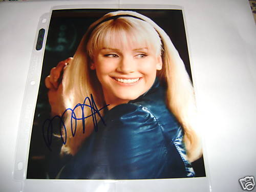 Spiderman Bryce Dallas Howard Autographed Photo 8x10 COA