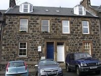 Central Stirling - 2 bed flat short let - from mid July & August!