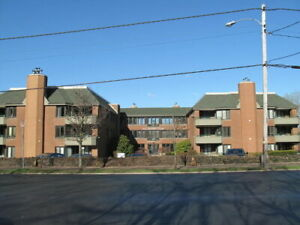 Condo For Rent - 2BR, 2 Bath,Furnished - 1350 Oxford Ct - DAL