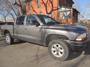 Dodge dakota 2004 only 2800 with modified exaust