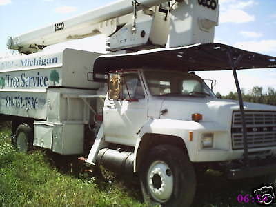 Ford F700 Bucket Forestery Truck With Chipper Box 55f.