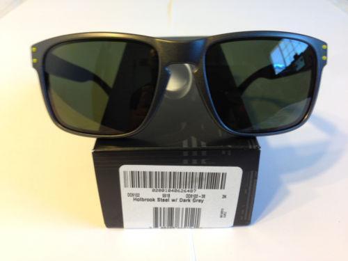0950d9fc1c Oakley 009102  Clothing