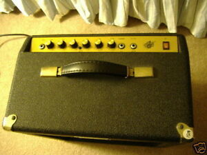 Crate vintage club 20 Tube amp in great condition. Kitchener / Waterloo Kitchener Area image 1