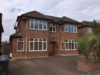 LOVELY 5 BEDROOM DETACHED HOUSE GARDEN DRIVEWAY MODERN LOCATED IN PARKLANDS DRIVE, LONDON, N3 3HA