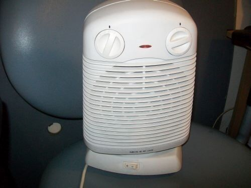 2200W2400W Portable Silent Electric Fan Heater HotCold Thermostatin Sidcup, LondonGumtree - You are looking for a Challenge 2200W 2400W Portable Silent Electric Fan Heater Hot & Cold Thermosta. It is used but in very good condition. It is moving to give heating/cooling in various direction. It has sicurity button and light indication, get a...