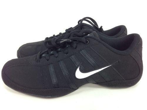 Nike Musique  Athletic  ae277a7b1a