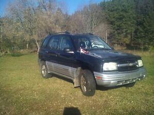2002 Chevrolet Tracker SUV, Crossover