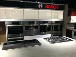 Table de cuisson à induction de 30'' Bosch Valeur de 3200$ CAD