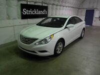 2013 HYUNDAI SONATA GL  |Save At The Pumps|