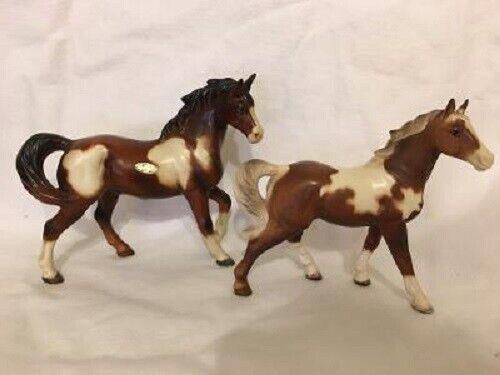 VINTAGE NORCREST & ART LINE PAINT HORSES FIGURINES (2)