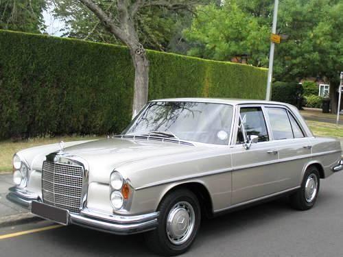 Top 5 vintage mercedes benz models ebay for Mercedes benz retro
