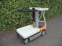 Crown Wave WAV50-118 electric man up order picker