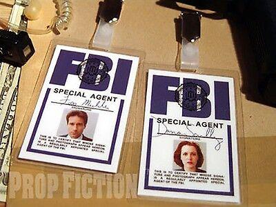 X-Files - Fox Mulder & Dana Scully FBI Clip-on ID Cards