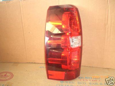 2007-2013  CHEVROLET TAHOE SUBURBAN OEM LEFT DRIVER TAIL LIGHT FACTORY