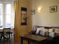 Large central Edinburgh Marchmont holiday flat, avail NOW, ground floor, wifi, child cot, sleeps 5