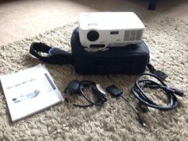 NEC NP52 Portable Projector - Very Bright Image! 2600 ANSI Lumen Brightness! 3-D Ready!