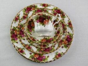 Royal Albert Country Roses - 5 piece setting