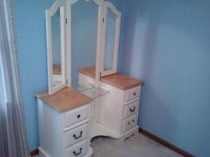 Girlsu0027 White Bedroom Furniture
