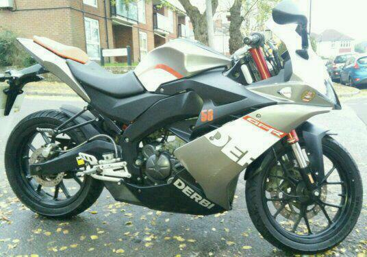derbi gpr 125 4t 2011 aprilia rs4 sister bike in. Black Bedroom Furniture Sets. Home Design Ideas