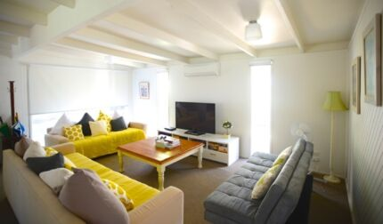 THE SANDILANDS COTTAGE, RYE (HOLIDAY HOUSE) FITS 12  PAX