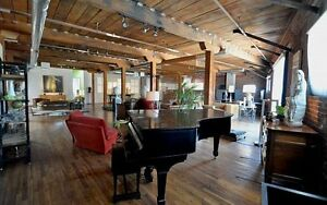 ARE YOU LOOKING FOR A BEAUTIFUL DOWNTOWN EDMONTON LOFT?