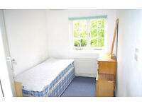 SINGLE ROOM | TO LET | BILL's INCLUSIVE | CLOSE TO BRENT CROSS SHOPPING CENTRE | NW4