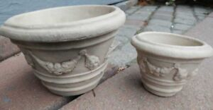 Two nice small clay plant pots (2) for $5.00