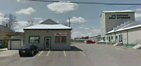 Streetside Building for Lease, Great Commercial/Shop Space